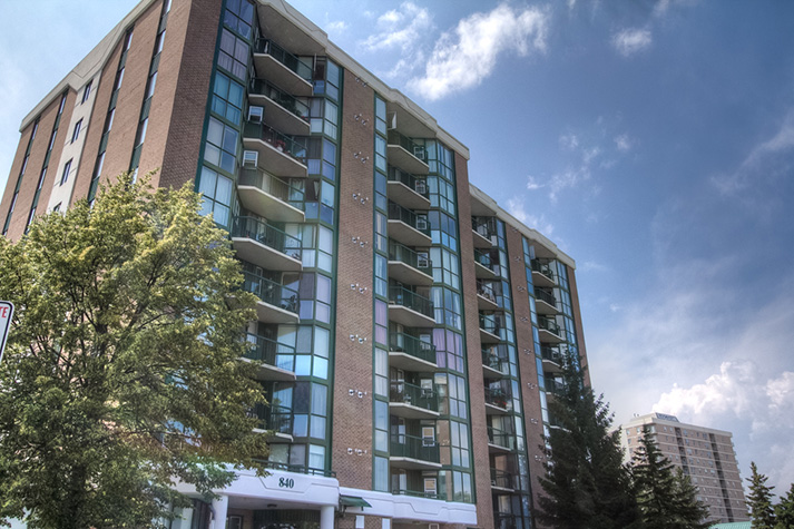Cataraqui Ridge, a CJM apartment complex with award-winning gardens.